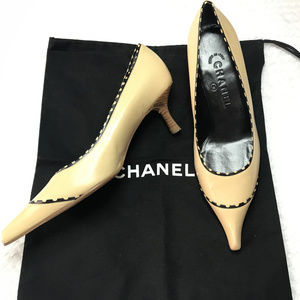70f79716517 NEW AUTHENTIC CHANEL Vintage kitten heel shoes
